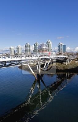 Постер Ванкувер Пешеходный мост перед Ванкувере skylineВанкувер<br>Постер на холсте или бумаге. Любого нужного вам размера. В раме или без. Подвес в комплекте. Трехслойная надежная упаковка. Доставим в любую точку России. Вам осталось только повесить картину на стену!<br>