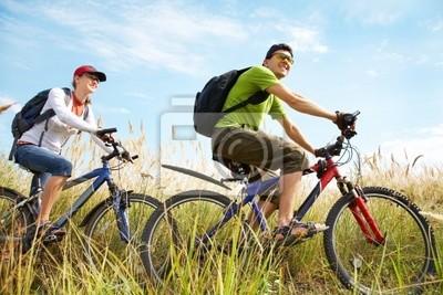 Велоспорт в летнее время, 30x20 см, на бумагеВелосипедисты<br>Постер на холсте или бумаге. Любого нужного вам размера. В раме или без. Подвес в комплекте. Трехслойная надежная упаковка. Доставим в любую точку России. Вам осталось только повесить картину на стену!<br>