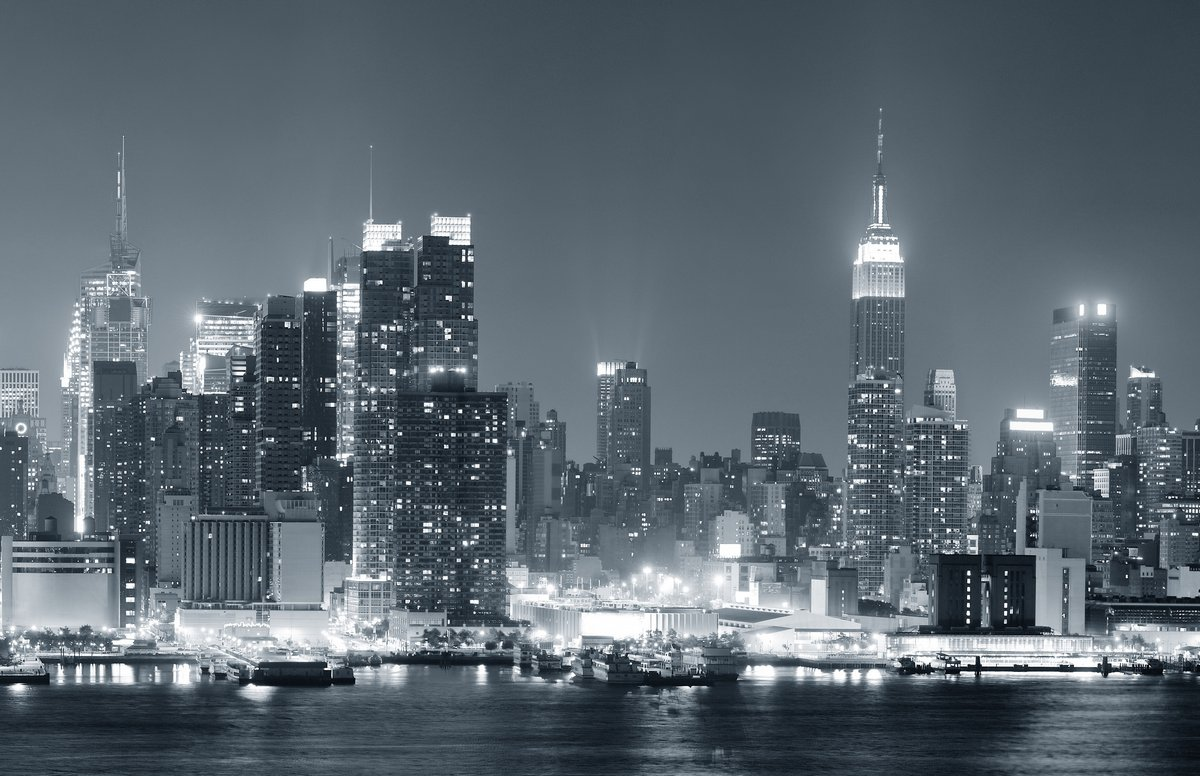Постер Нью-Йорк Нью-Йорк Манхэттен черный и белыйНью-Йорк<br>Постер на холсте или бумаге. Любого нужного вам размера. В раме или без. Подвес в комплекте. Трехслойная надежная упаковка. Доставим в любую точку России. Вам осталось только повесить картину на стену!<br>