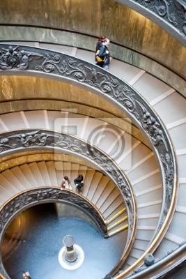 Постер Ватикан Винтовой лестницы Ватикана, Рим.Ватикан<br>Постер на холсте или бумаге. Любого нужного вам размера. В раме или без. Подвес в комплекте. Трехслойная надежная упаковка. Доставим в любую точку России. Вам осталось только повесить картину на стену!<br>
