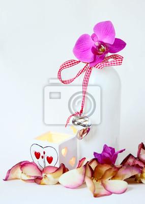 Постер Орхидеи Натюрморт с подсвечником и цветком орхидеиОрхидеи<br>Постер на холсте или бумаге. Любого нужного вам размера. В раме или без. Подвес в комплекте. Трехслойная надежная упаковка. Доставим в любую точку России. Вам осталось только повесить картину на стену!<br>