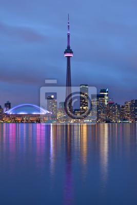 Постер Торонто CN Tower, Toronto, Ontario, КанадаТоронто<br>Постер на холсте или бумаге. Любого нужного вам размера. В раме или без. Подвес в комплекте. Трехслойная надежная упаковка. Доставим в любую точку России. Вам осталось только повесить картину на стену!<br>