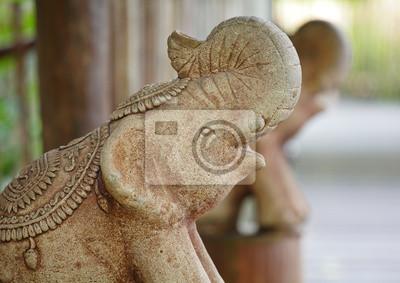Постер Сингапур Каменная статуя слонаСингапур<br>Постер на холсте или бумаге. Любого нужного вам размера. В раме или без. Подвес в комплекте. Трехслойная надежная упаковка. Доставим в любую точку России. Вам осталось только повесить картину на стену!<br>