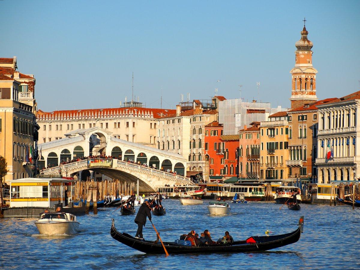 Постер Венеция Венеция, Италия, 27x20 см, на бумагеВенеция<br>Постер на холсте или бумаге. Любого нужного вам размера. В раме или без. Подвес в комплекте. Трехслойная надежная упаковка. Доставим в любую точку России. Вам осталось только повесить картину на стену!<br>
