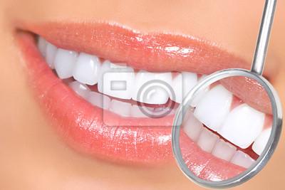 Зубы, 30x20 см, на бумаге02.09 Международный день стоматолога<br>Постер на холсте или бумаге. Любого нужного вам размера. В раме или без. Подвес в комплекте. Трехслойная надежная упаковка. Доставим в любую точку России. Вам осталось только повесить картину на стену!<br>