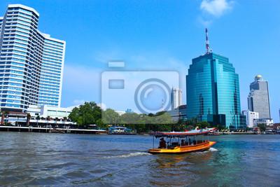 Постер Бангкок Лодки на реке Чао Прайя, БангкокБангкок<br>Постер на холсте или бумаге. Любого нужного вам размера. В раме или без. Подвес в комплекте. Трехслойная надежная упаковка. Доставим в любую точку России. Вам осталось только повесить картину на стену!<br>