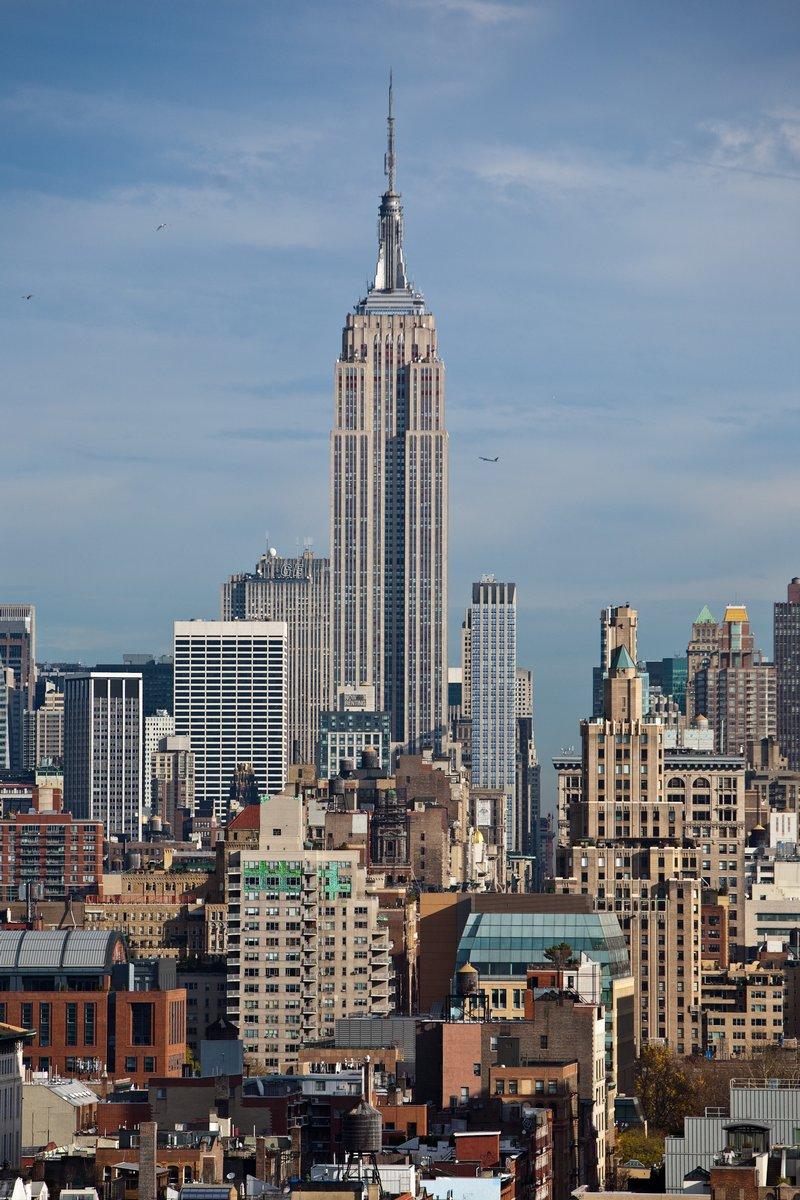 Постер Архитектура Skyline фон Манхэттене, Нью-Йорк, 20x30 см, на бумагеНебоскребы<br>Постер на холсте или бумаге. Любого нужного вам размера. В раме или без. Подвес в комплекте. Трехслойная надежная упаковка. Доставим в любую точку России. Вам осталось только повесить картину на стену!<br>