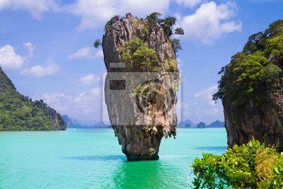 Постер Таиланд Остров Джеймса Бонда в ТаиландеТаиланд<br>Постер на холсте или бумаге. Любого нужного вам размера. В раме или без. Подвес в комплекте. Трехслойная надежная упаковка. Доставим в любую точку России. Вам осталось только повесить картину на стену!<br>