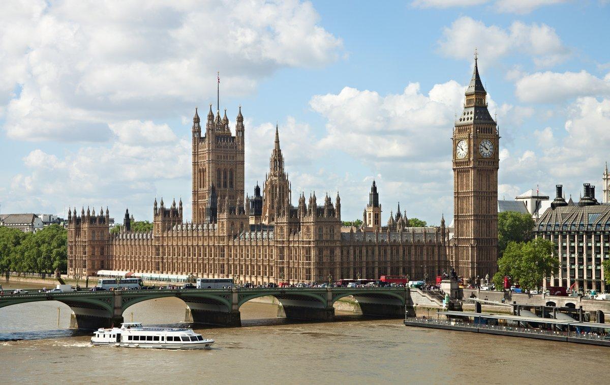 Постер Лондон Здание парламента в Лондоне, Великобритания .Лондон<br>Постер на холсте или бумаге. Любого нужного вам размера. В раме или без. Подвес в комплекте. Трехслойная надежная упаковка. Доставим в любую точку России. Вам осталось только повесить картину на стену!<br>