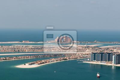 Постер Дубай Искусственный остров Palm Jumeirah и Atlantis hotel, Дубаи, ОАЭДубай<br>Постер на холсте или бумаге. Любого нужного вам размера. В раме или без. Подвес в комплекте. Трехслойная надежная упаковка. Доставим в любую точку России. Вам осталось только повесить картину на стену!<br>