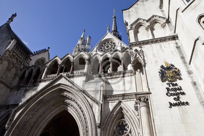 Постер Лондон Королевский суд Справедливости в ЛондонеЛондон<br>Постер на холсте или бумаге. Любого нужного вам размера. В раме или без. Подвес в комплекте. Трехслойная надежная упаковка. Доставим в любую точку России. Вам осталось только повесить картину на стену!<br>