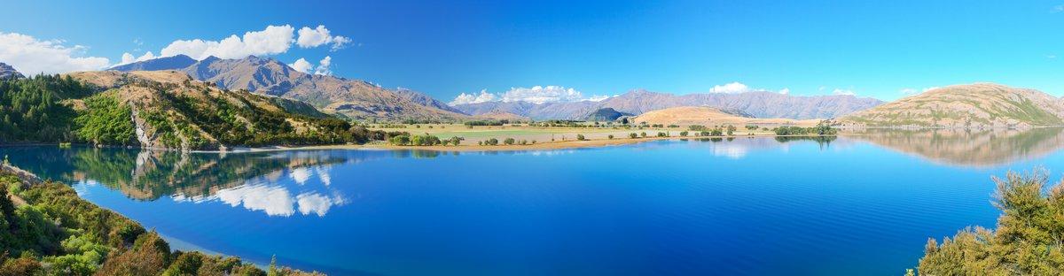 Постер Альпийский пейзаж Lake WanakaАльпийский пейзаж<br>Постер на холсте или бумаге. Любого нужного вам размера. В раме или без. Подвес в комплекте. Трехслойная надежная упаковка. Доставим в любую точку России. Вам осталось только повесить картину на стену!<br>