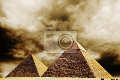 Постер Египетские пирамиды Постер 39755570, 30x20 см, на бумагеЕгипетские пирамиды<br>Постер на холсте или бумаге. Любого нужного вам размера. В раме или без. Подвес в комплекте. Трехслойная надежная упаковка. Доставим в любую точку России. Вам осталось только повесить картину на стену!<br>