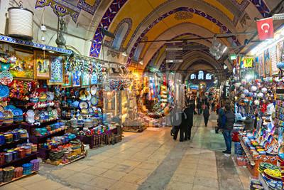 Постер Турция Гранд базар, магазины в Стамбуле.Турция<br>Постер на холсте или бумаге. Любого нужного вам размера. В раме или без. Подвес в комплекте. Трехслойная надежная упаковка. Доставим в любую точку России. Вам осталось только повесить картину на стену!<br>
