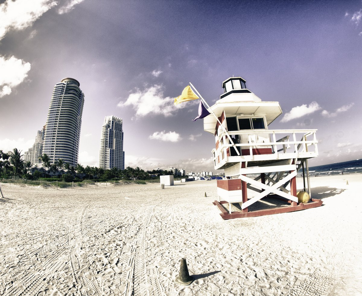 Постер Майами Южная Pointe Park в Майами-Бич, ФлоридаМайами<br>Постер на холсте или бумаге. Любого нужного вам размера. В раме или без. Подвес в комплекте. Трехслойная надежная упаковка. Доставим в любую точку России. Вам осталось только повесить картину на стену!<br>