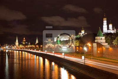 Постер Москва Московский Кремль в ночь. РоссияМосква<br>Постер на холсте или бумаге. Любого нужного вам размера. В раме или без. Подвес в комплекте. Трехслойная надежная упаковка. Доставим в любую точку России. Вам осталось только повесить картину на стену!<br>