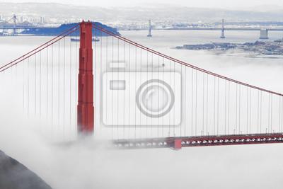 Постер Сан-Франциско Мост  золотые Ворота  в туманеСан-Франциско<br>Постер на холсте или бумаге. Любого нужного вам размера. В раме или без. Подвес в комплекте. Трехслойная надежная упаковка. Доставим в любую точку России. Вам осталось только повесить картину на стену!<br>