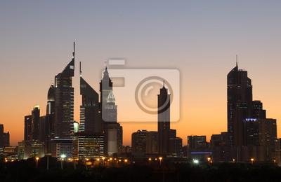 Постер Дубай Небоскребы в Дубай Шейх Zayed Дорога в ночьДубай<br>Постер на холсте или бумаге. Любого нужного вам размера. В раме или без. Подвес в комплекте. Трехслойная надежная упаковка. Доставим в любую точку России. Вам осталось только повесить картину на стену!<br>