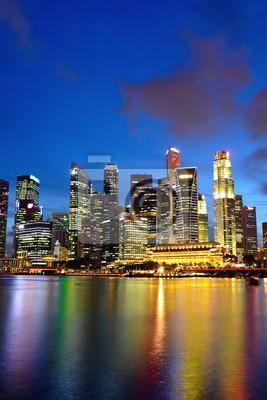 Постер Сингапур Город ночной вид на СингапурСингапур<br>Постер на холсте или бумаге. Любого нужного вам размера. В раме или без. Подвес в комплекте. Трехслойная надежная упаковка. Доставим в любую точку России. Вам осталось только повесить картину на стену!<br>