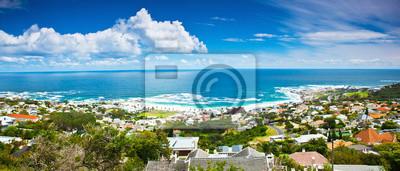 Постер Африканский пейзаж КейптаунАфриканский пейзаж<br>Постер на холсте или бумаге. Любого нужного вам размера. В раме или без. Подвес в комплекте. Трехслойная надежная упаковка. Доставим в любую точку России. Вам осталось только повесить картину на стену!<br>