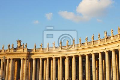 Постер Рим Рим, колонны на ватиканской площадиРим<br>Постер на холсте или бумаге. Любого нужного вам размера. В раме или без. Подвес в комплекте. Трехслойная надежная упаковка. Доставим в любую точку России. Вам осталось только повесить картину на стену!<br>