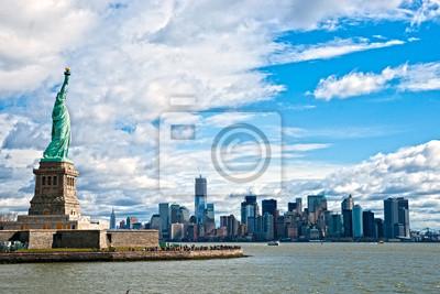 Постер Нью-Йорк Статуя Свободы, Манхэттен, Нью-Йорк. США.Нью-Йорк<br>Постер на холсте или бумаге. Любого нужного вам размера. В раме или без. Подвес в комплекте. Трехслойная надежная упаковка. Доставим в любую точку России. Вам осталось только повесить картину на стену!<br>