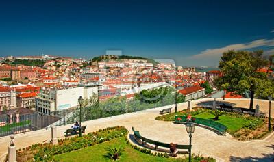 Постер Лиссабон Красивый вид на Лиссабон, ПортугалияЛиссабон<br>Постер на холсте или бумаге. Любого нужного вам размера. В раме или без. Подвес в комплекте. Трехслойная надежная упаковка. Доставим в любую точку России. Вам осталось только повесить картину на стену!<br>