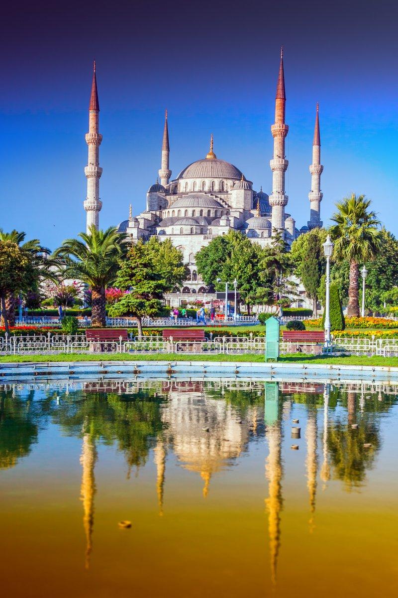 Постер Турция Голубая Мечеть в Стамбуле - ТурцияТурция<br>Постер на холсте или бумаге. Любого нужного вам размера. В раме или без. Подвес в комплекте. Трехслойная надежная упаковка. Доставим в любую точку России. Вам осталось только повесить картину на стену!<br>