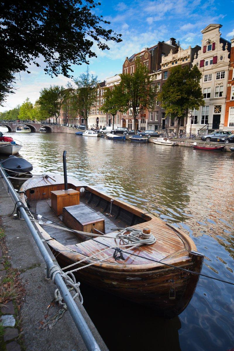 Постер Амстердам АмстердамАмстердам<br>Постер на холсте или бумаге. Любого нужного вам размера. В раме или без. Подвес в комплекте. Трехслойная надежная упаковка. Доставим в любую точку России. Вам осталось только повесить картину на стену!<br>