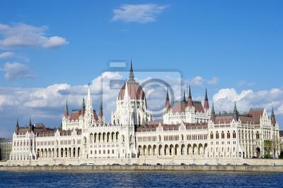 Постер Будапешт Будапешт: Венгерский Парламент И Голубой ДунайБудапешт<br>Постер на холсте или бумаге. Любого нужного вам размера. В раме или без. Подвес в комплекте. Трехслойная надежная упаковка. Доставим в любую точку России. Вам осталось только повесить картину на стену!<br>