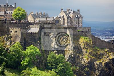Постер Шотландия Замок Эдинбург, Шотландия, ВеликобританияШотландия<br>Постер на холсте или бумаге. Любого нужного вам размера. В раме или без. Подвес в комплекте. Трехслойная надежная упаковка. Доставим в любую точку России. Вам осталось только повесить картину на стену!<br>