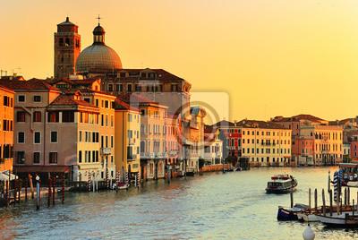 Постер Венеция Гранд Канал в Венеции, ИталияВенеция<br>Постер на холсте или бумаге. Любого нужного вам размера. В раме или без. Подвес в комплекте. Трехслойная надежная упаковка. Доставим в любую точку России. Вам осталось только повесить картину на стену!<br>
