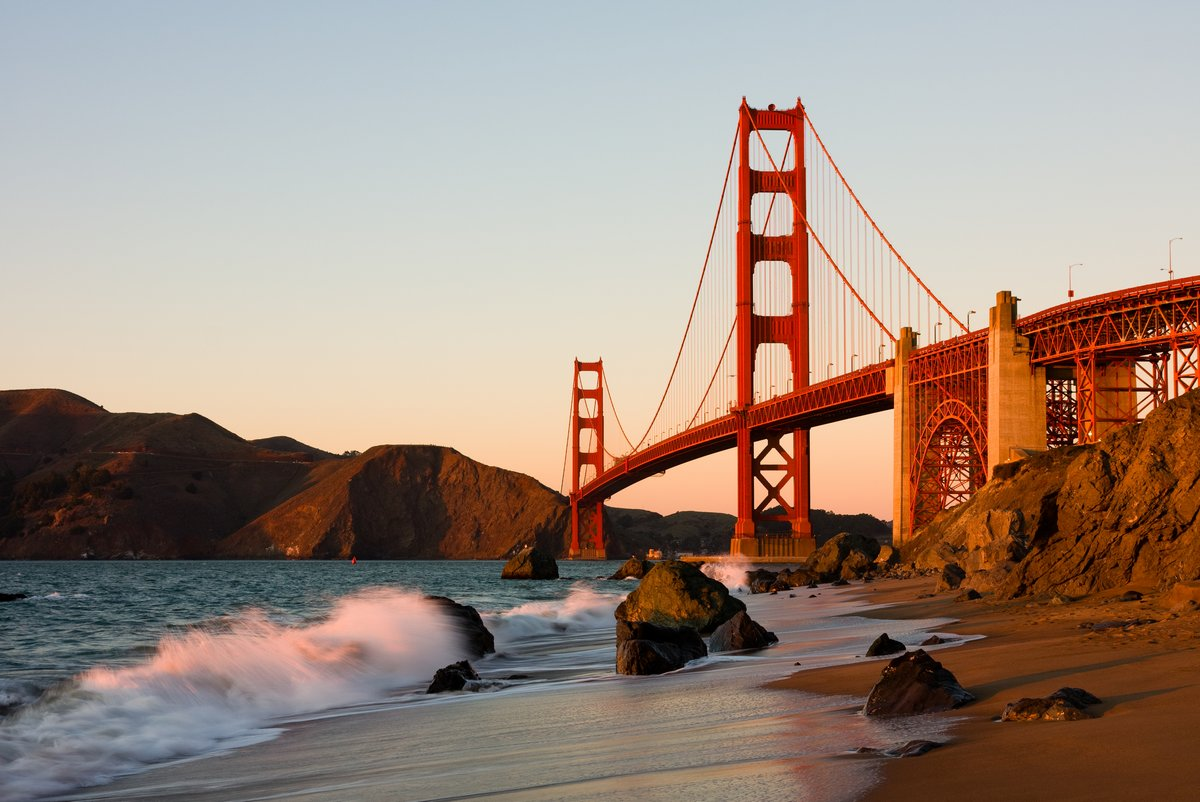 Мост золотые Ворота в Сан-Франциско на закате, 30x20 см, на бумагеСША<br>Постер на холсте или бумаге. Любого нужного вам размера. В раме или без. Подвес в комплекте. Трехслойная надежная упаковка. Доставим в любую точку России. Вам осталось только повесить картину на стену!<br>