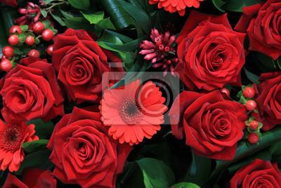 Постер Герберы Красные цветочные композиции, розы и герберыГерберы<br>Постер на холсте или бумаге. Любого нужного вам размера. В раме или без. Подвес в комплекте. Трехслойная надежная упаковка. Доставим в любую точку России. Вам осталось только повесить картину на стену!<br>