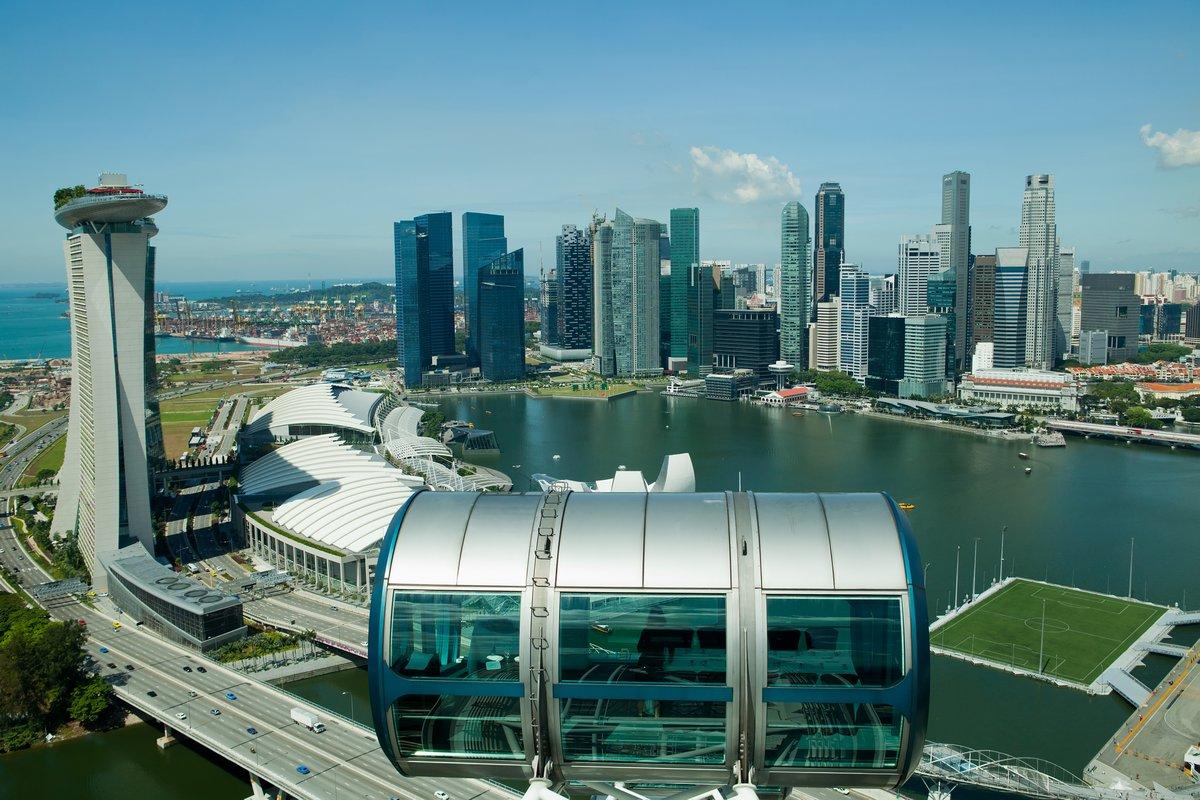 Постер Сингапур Сингапурское и Marina BayСингапур<br>Постер на холсте или бумаге. Любого нужного вам размера. В раме или без. Подвес в комплекте. Трехслойная надежная упаковка. Доставим в любую точку России. Вам осталось только повесить картину на стену!<br>