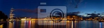 Постер Стокгольм Ночной панорамный вид на СтокгольмСтокгольм<br>Постер на холсте или бумаге. Любого нужного вам размера. В раме или без. Подвес в комплекте. Трехслойная надежная упаковка. Доставим в любую точку России. Вам осталось только повесить картину на стену!<br>