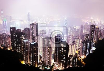 Постер Города и карты Остров Гонконг от Виктории Пик ночью, 29x20 см, на бумагеГонконг<br>Постер на холсте или бумаге. Любого нужного вам размера. В раме или без. Подвес в комплекте. Трехслойная надежная упаковка. Доставим в любую точку России. Вам осталось только повесить картину на стену!<br>