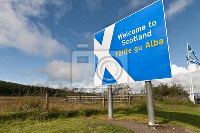 Постер Шотландия Добро пожаловать в Шотландию знак на границеШотландия<br>Постер на холсте или бумаге. Любого нужного вам размера. В раме или без. Подвес в комплекте. Трехслойная надежная упаковка. Доставим в любую точку России. Вам осталось только повесить картину на стену!<br>