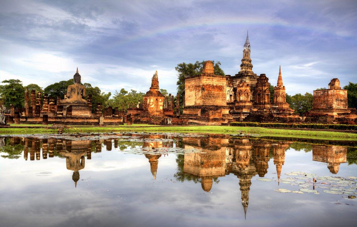 Постер Бангкок Сукотаи Исторический парк в Таиланде iland.Бангкок<br>Постер на холсте или бумаге. Любого нужного вам размера. В раме или без. Подвес в комплекте. Трехслойная надежная упаковка. Доставим в любую точку России. Вам осталось только повесить картину на стену!<br>