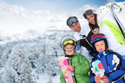 Постер Спорт Постер 41002008, 30x20 см, на бумагеГорные лыжи<br>Постер на холсте или бумаге. Любого нужного вам размера. В раме или без. Подвес в комплекте. Трехслойная надежная упаковка. Доставим в любую точку России. Вам осталось только повесить картину на стену!<br>