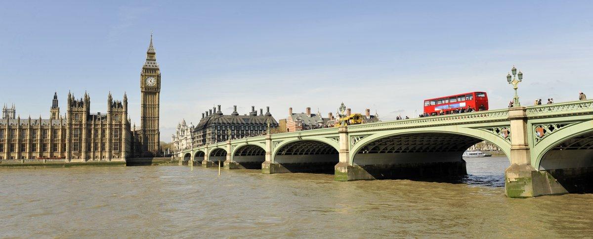 Постер Лондон Вестминстерский Мост и здание парламентаЛондон<br>Постер на холсте или бумаге. Любого нужного вам размера. В раме или без. Подвес в комплекте. Трехслойная надежная упаковка. Доставим в любую точку России. Вам осталось только повесить картину на стену!<br>