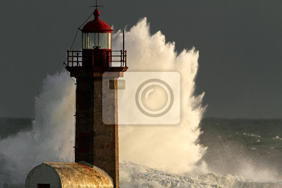 Постер Ураган, буря, торнадо Шторм в МаякУраган, буря, торнадо<br>Постер на холсте или бумаге. Любого нужного вам размера. В раме или без. Подвес в комплекте. Трехслойная надежная упаковка. Доставим в любую точку России. Вам осталось только повесить картину на стену!<br>
