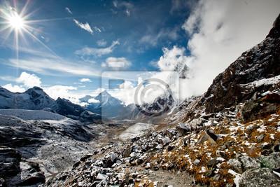 Постер Непал Живописный вид на ГималаиНепал<br>Постер на холсте или бумаге. Любого нужного вам размера. В раме или без. Подвес в комплекте. Трехслойная надежная упаковка. Доставим в любую точку России. Вам осталось только повесить картину на стену!<br>
