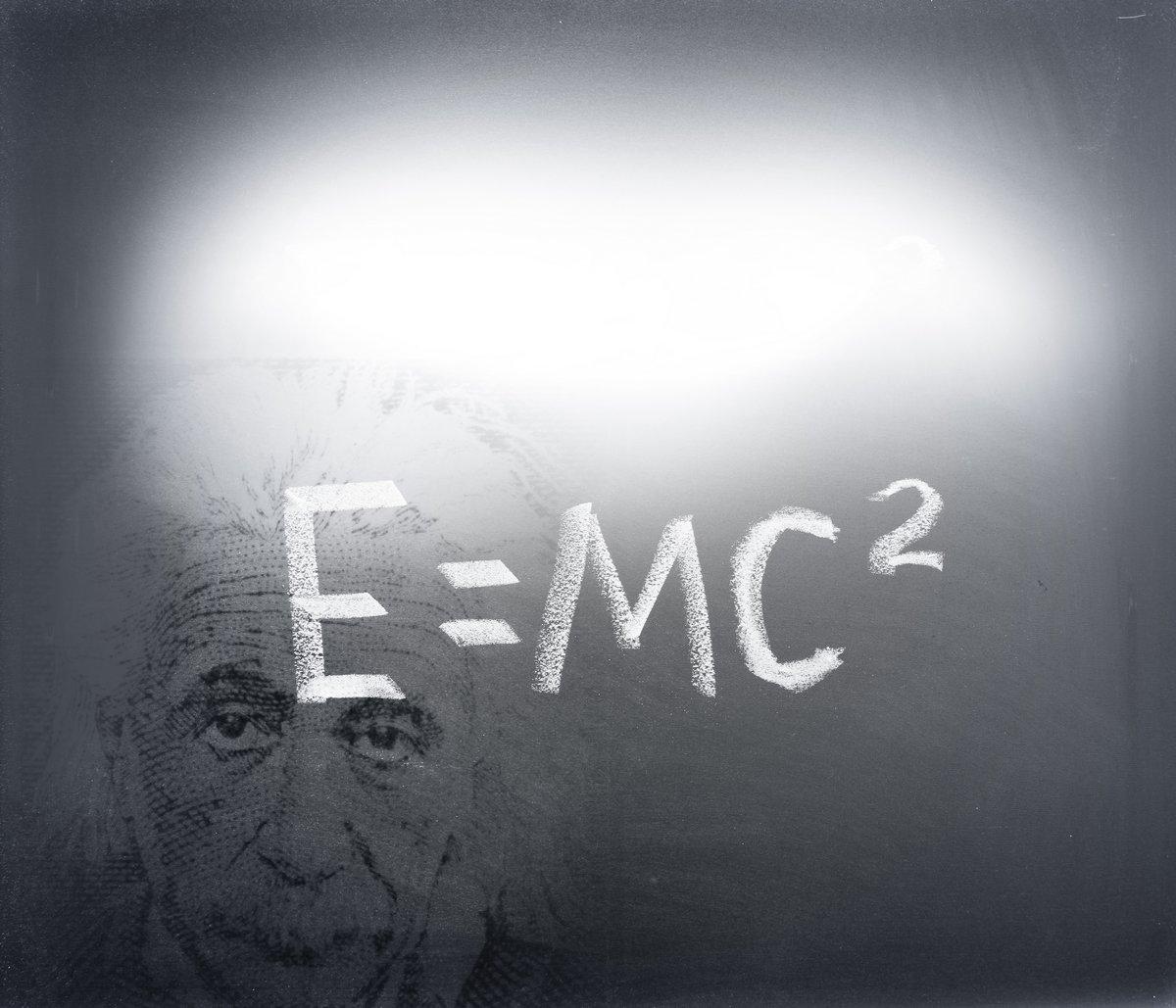 Постер Альберт Эйнштейн формулаФормула Эйнштейна<br>Постер на холсте или бумаге. Любого нужного вам размера. В раме или без. Подвес в комплекте. Трехслойная надежная упаковка. Доставим в любую точку России. Вам осталось только повесить картину на стену!<br>
