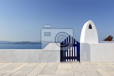 Постер Санторини Классической греческой архитектуры улиц в УВРСанторини<br>Постер на холсте или бумаге. Любого нужного вам размера. В раме или без. Подвес в комплекте. Трехслойная надежная упаковка. Доставим в любую точку России. Вам осталось только повесить картину на стену!<br>