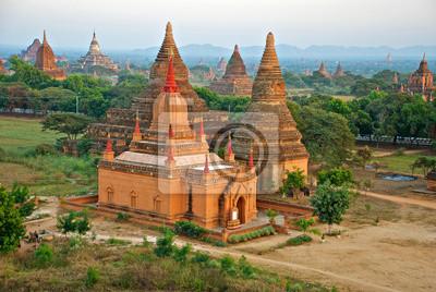 Постер Мьянма (Бирма) Мьянма храмыМьянма (Бирма)<br>Постер на холсте или бумаге. Любого нужного вам размера. В раме или без. Подвес в комплекте. Трехслойная надежная упаковка. Доставим в любую точку России. Вам осталось только повесить картину на стену!<br>