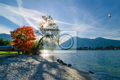 Постер Альпийский пейзаж Красивое утро на озереАльпийский пейзаж<br>Постер на холсте или бумаге. Любого нужного вам размера. В раме или без. Подвес в комплекте. Трехслойная надежная упаковка. Доставим в любую точку России. Вам осталось только повесить картину на стену!<br>