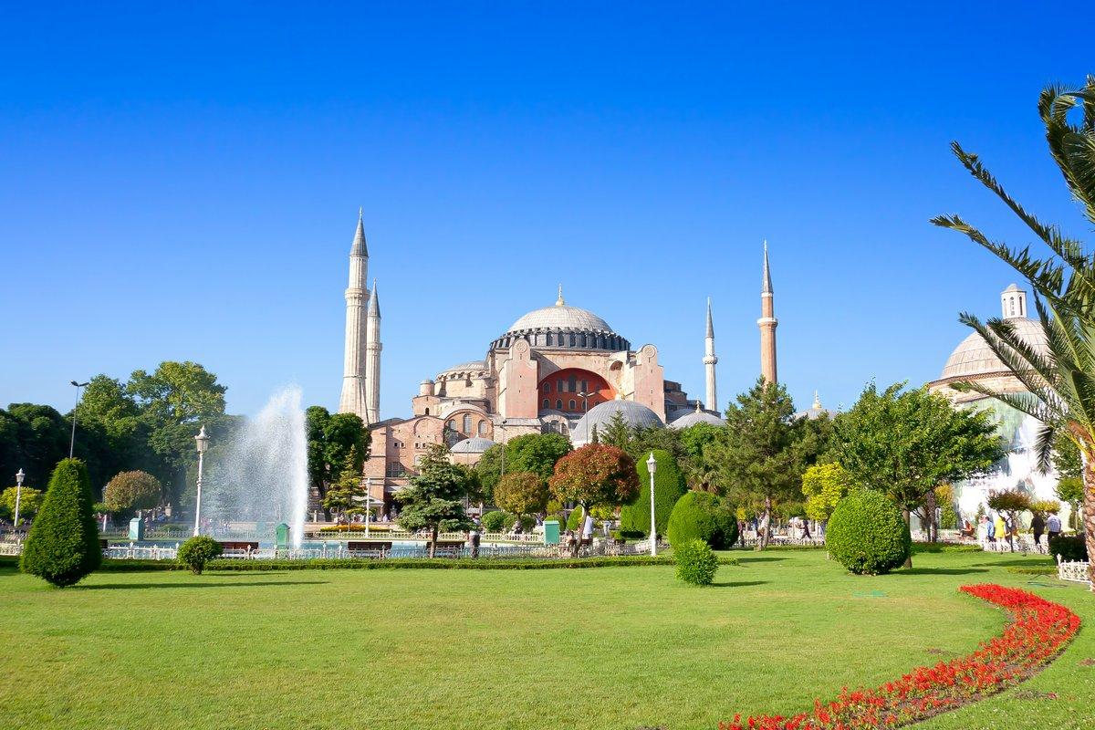 Постер Стамбул Весна в СтамбулеСтамбул<br>Постер на холсте или бумаге. Любого нужного вам размера. В раме или без. Подвес в комплекте. Трехслойная надежная упаковка. Доставим в любую точку России. Вам осталось только повесить картину на стену!<br>