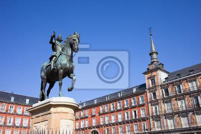 Постер Мадрид Статуя Короля Филиппа III, на Plaza MayorМадрид<br>Постер на холсте или бумаге. Любого нужного вам размера. В раме или без. Подвес в комплекте. Трехслойная надежная упаковка. Доставим в любую точку России. Вам осталось только повесить картину на стену!<br>