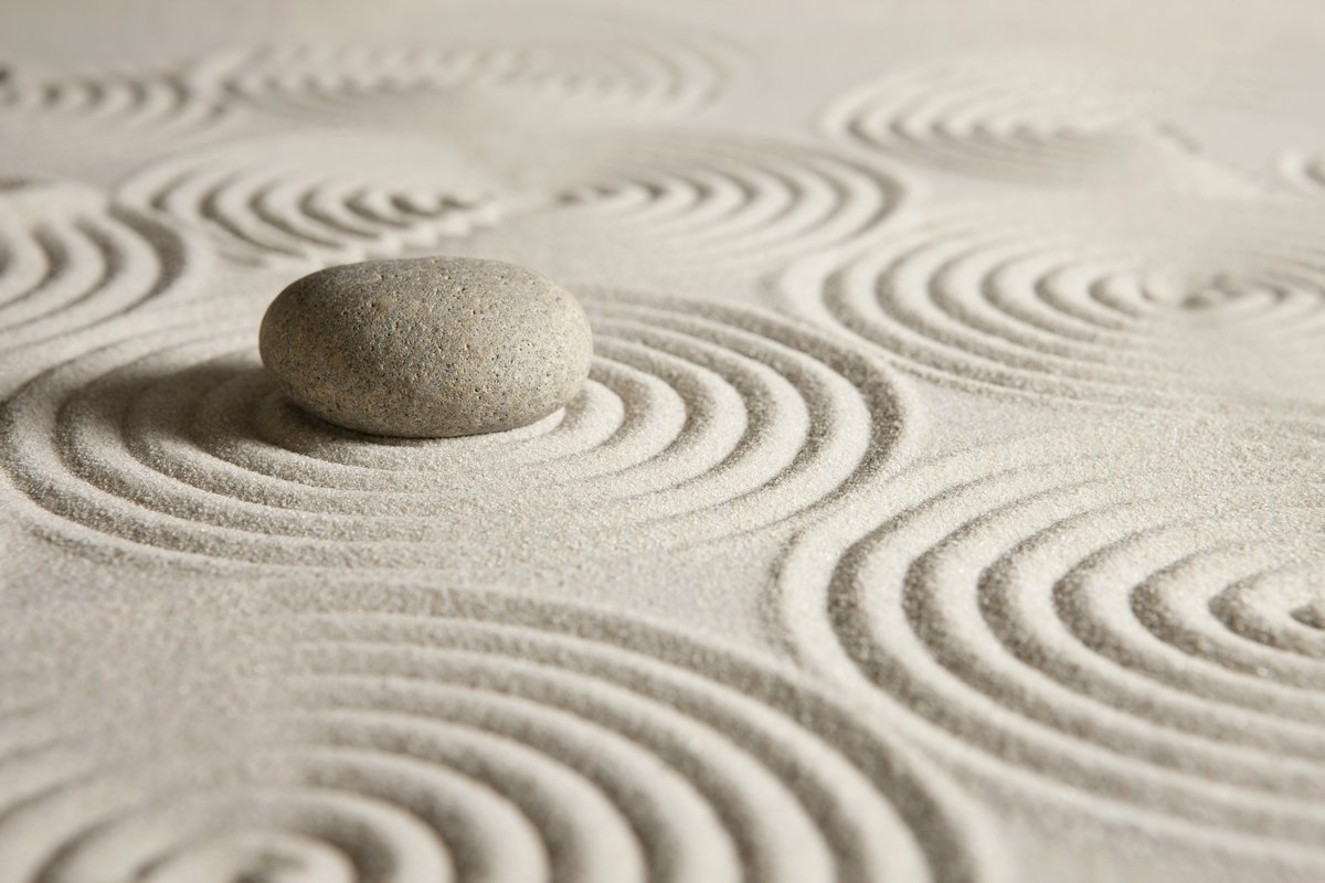Постер Медитация Zen gardenМедитация<br>Постер на холсте или бумаге. Любого нужного вам размера. В раме или без. Подвес в комплекте. Трехслойная надежная упаковка. Доставим в любую точку России. Вам осталось только повесить картину на стену!<br>